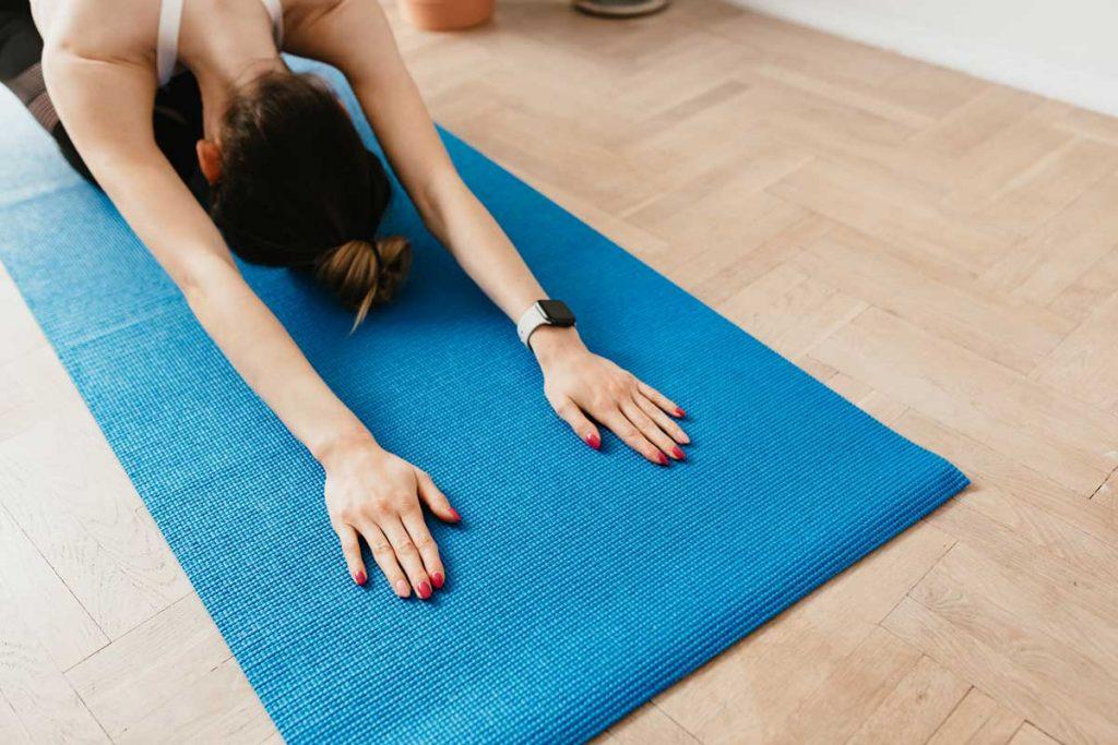 Básicos de yoga: posturas para iniciarse en esta saludable práctica